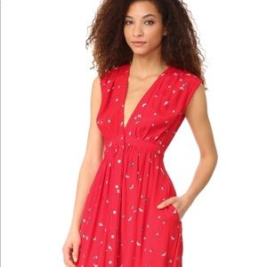 French chic classic red dress w/pockets. Easy chic